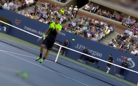 Federer trick shot