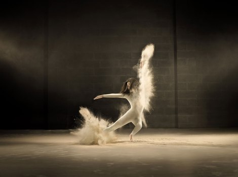 dance-performance-powdered-milk-campaign-jeffrey-vanhoutte-4