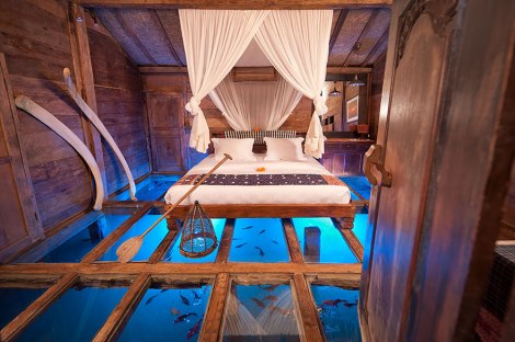 unusual-themed-hotels-13__880